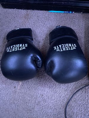 Fight syndicate boxing gloves for Sale in Hemet, CA