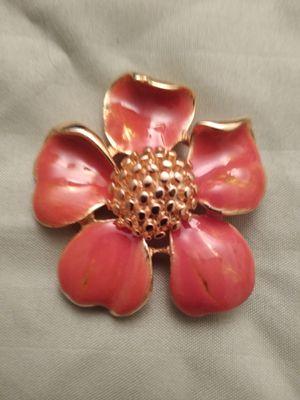 Fancy brooch for Sale in Aspen Hill, MD