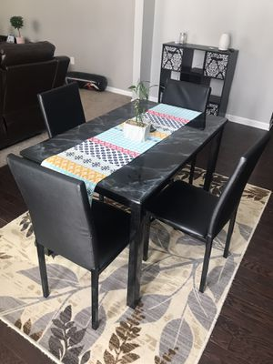 Nice dinning table with 4 chairs for Sale in Utica, MI