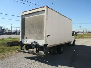 08 chevy 350017ft box truck for Sale in Grand Prairie, TX