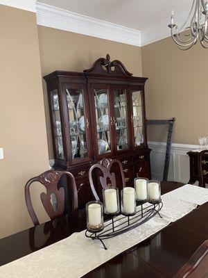 Bassett cherry complete 9 piece dining room set for Sale in Haymarket, VA
