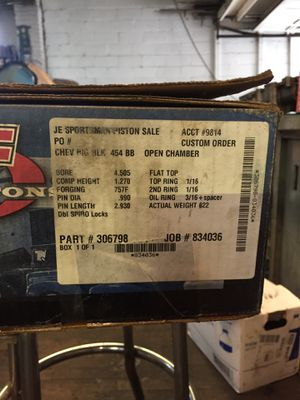 Chevy 454&502 piston set brand new. Made by j.e. Company for Sale in New York, NY