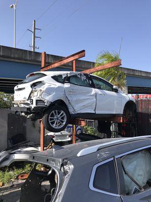 2013 Ford Focus parts for Sale in Miami Gardens, FL