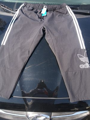 Adidas sweatpants size large 35$ for Sale in Richmond, CA