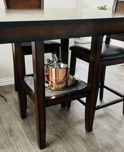 Dining Table (Bar Height) for Sale in Frisco,  TX