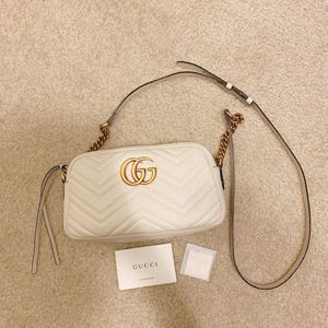 Gucci GG Marmont small shoulder bag for Sale in Yorba Linda, CA