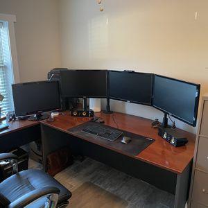 Core i7 Desktop Computer w/ 4 HD Monitors and Desk for Sale in Jacksonville Beach, FL