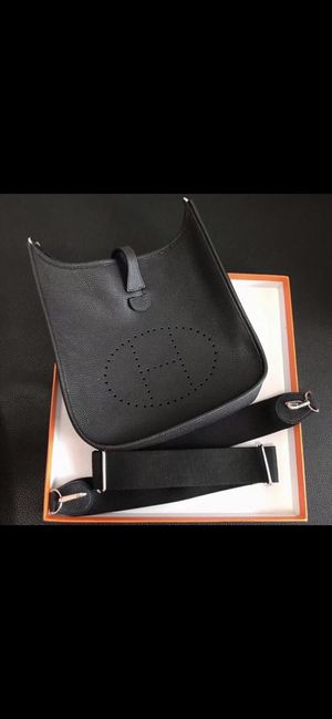 Hermes crossbody bag DEAL OF THE WEEK‼️ for Sale in Sea Cliff, NY