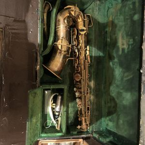 MARTIN ELKHART SAXOPHONE for Sale in Los Angeles, CA
