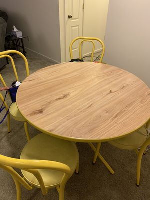 Kitchen table and chairs for Sale in Evansville, IN