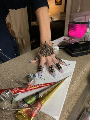 meHindi henna starting at $10 and up. Any pic or any design!! I do Have own mehindi ink. Prefer to do it out of my home but if in distance I will com for Sale in Spring, TX