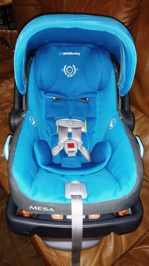 UPPAbaby Mesa Car Seat and Base for Sale in Phoenix, AZ