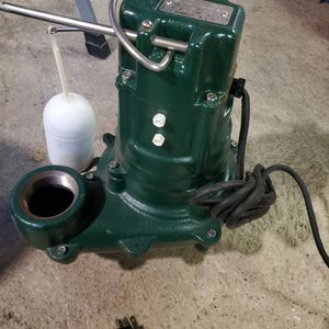 Waste-Mate Automatic Cast Iron Sewage Pump - 115 V, 1/2 HP (w/ Cast Iron Impeller) for Sale in Norwalk, CT