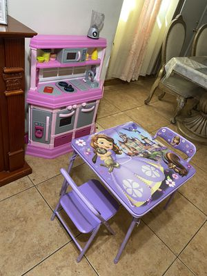 Kitchen, table, chairs and accessories for Sale in Lancaster, CA