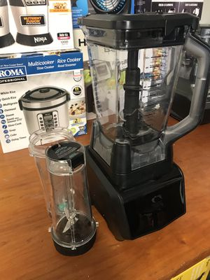 Used Ninja smart screen blender with cups and 1400 watt motor for Sale in Upland, CA