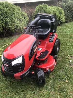 Craftsman lawn tractor for Sale in Des Plaines, IL
