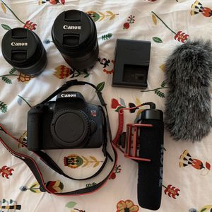 Canon EOS Rebel T6i Camera w/ EF-S 55-250mm and EF-S 18-55mm for Sale in Nashville, TN
