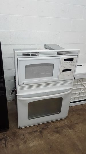 Microwave and Oven for Sale in Clarksville, TN