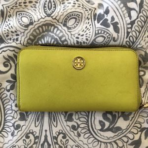Tory Burch Wallet for Sale in St. Petersburg, FL