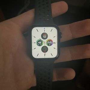 Apple Watch 44m (GPS & Cellular) for Sale in Charleston, SC