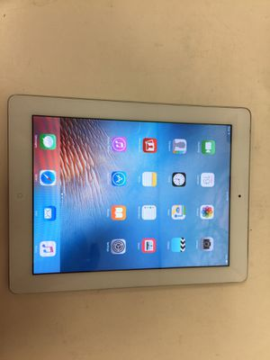 Apple ipad 2 16gb white wifi with cable and charger good condition for Sale in Houston, TX