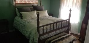 Vintage bed for Sale in Apple Valley, CA