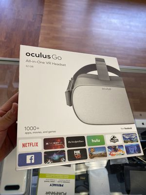 OCULUS GO all in one VR HEADSET 32GB for Sale in Plantation, FL