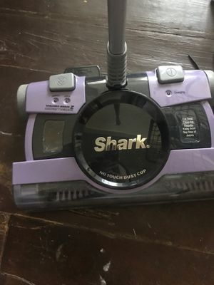 Shark vacuum cordless rechargeable*like new* for Sale in Indianapolis, IN
