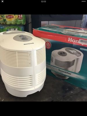 Honeywell humidifier new condition open box never used for Sale in Las Vegas, NV