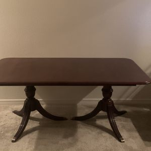 Eight Feet Cherrywood Thomasville Antique Dining table for Sale in Glendale, AZ