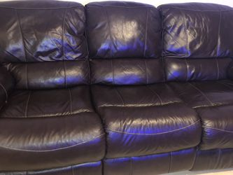 Brown Leather Reclining Sofa for Sale in Austin,  TX