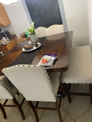 Dinning room table for Sale in Orlando, FL