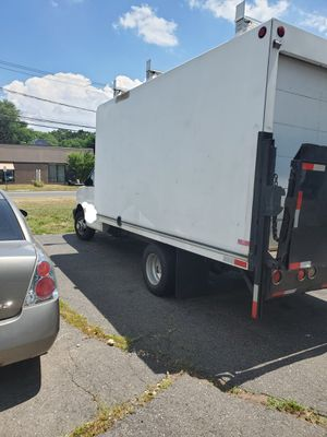 2004 chevy express g3500 box truck lift gate for Sale in Manchester, CT