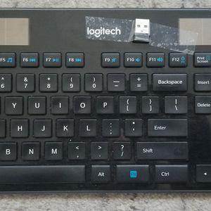 SOLAR Wireless Keyboard for Sale in Portland, OR