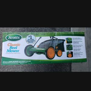 Scotts 20in Classic Walk Behind Push Mower with Grass Catcher for Sale in Los Alamitos, CA