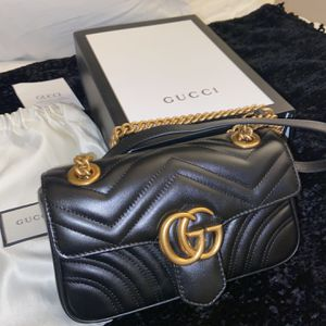 Gucci GG Small Marmont Shoulder Bag for Sale in Los Angeles, CA
