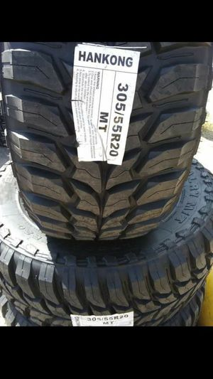 BRAND NEW SET OF TIRES 305 55 20 for Sale in Phoenix, AZ