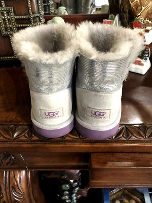 UGG BOOTS SIZE 6 FOR WOMEN ASKING $45 PRICE IS FIRM for Sale in North Las Vegas, NV