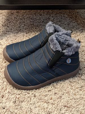 New boys/girls winter/snow boots size 3/4 for Sale in San Bernardino, CA