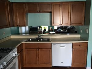 Kitchen cabinets for Sale in HOFFMAN EST, IL