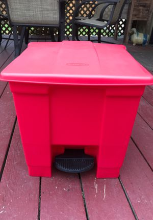Rubbermaid Commercial RCP 6143 RED Indoor Utility Step-On Waste Container for Sale in Salinas, CA