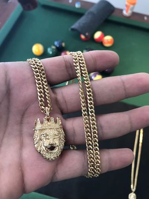 """18kmgl (gold filled not plated or stainless) 5mm 28"""" Miami cuban chain with lion charm for Sale in Wesley Chapel, FL"""