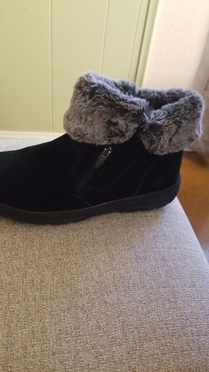 Women shoes,Khombu,size 7,new, for Sale in Los Angeles, CA