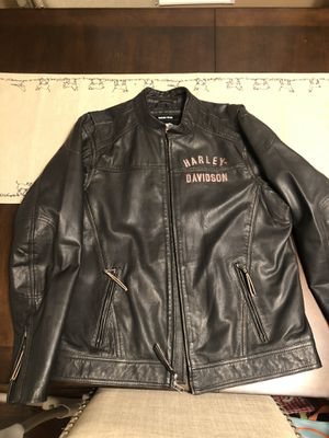 Harley Davidson leather jacket size large for Sale in Newark, NJ