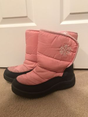 Girls size 4 Snow Boots for Sale in Las Vegas, NV