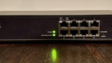Dell PowerConnect 2708 8-Port Managed Gigabit Ethernet Switch, Label P/N C5539 for Sale in Chicago,  IL