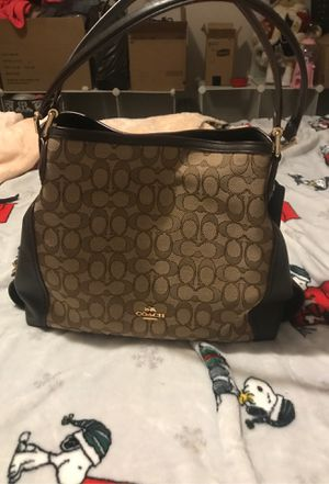 Coach purse for Sale in West Mifflin, PA