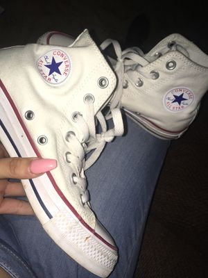 Size 6 converse for Sale in Germantown, MD