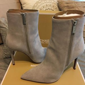 New Authentic Michael Kors Size 9 for Sale in Lakewood, CA