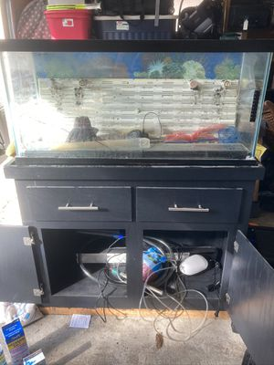Free fish tank with supplies. 15dx17hx36w *PENDING* for Sale in Everett, WA